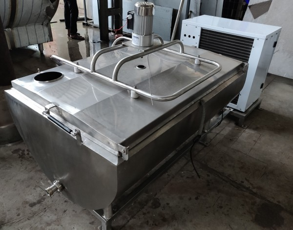 Bulk Milk Cooler 300 Ltr